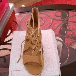 Shoes - Shoe